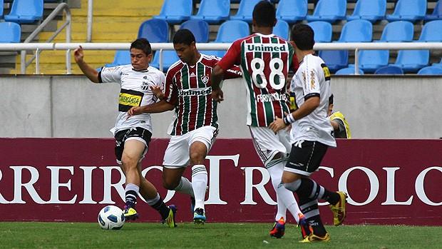 Com um a menos, Ceará não resiste e é goleado (Caio Amy/Photocamera)