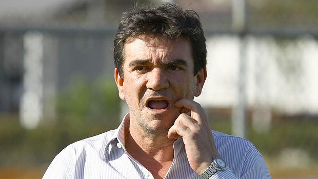 Andrés Sanchez no treino do Corinthians (Foto: Ag. Estado)