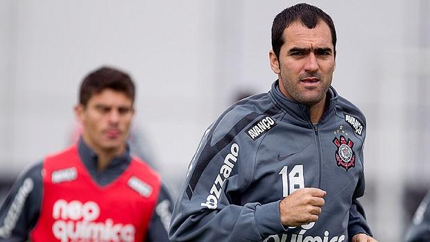 Danilo no treino do Corinthians (Foto: Ag. Estado)