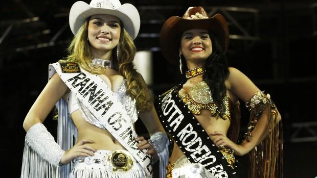 Rainha e a garota rodeio da 56ª Festa do Peão nde Barretos (Foto: Leandro Nascimento)