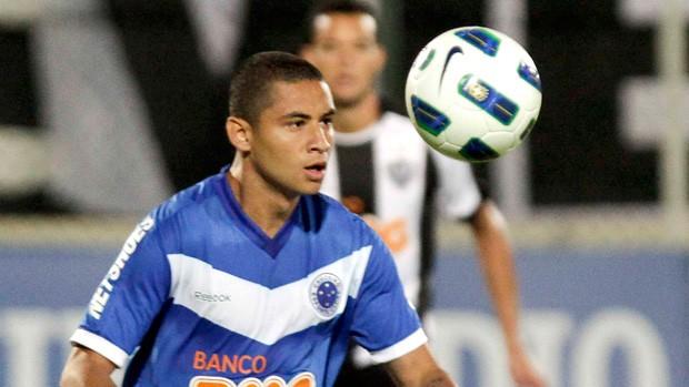 Vitória dá esperanças de vaga na Taça Libertadores