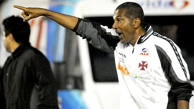 Cristovão no comando do Vasco contra o Ceará (Foto: Nina Lima / Fotocom.net)