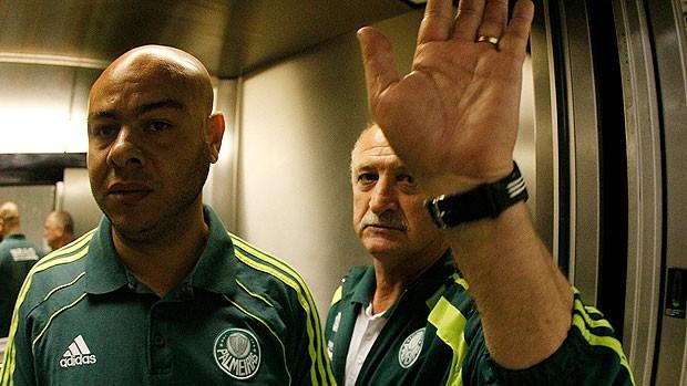 Felipão no vestiário do Palmeiras (Foto: Fernando Soutello / Divulgação AGIF)