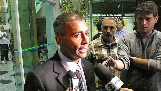romário visita ricardo gomes (Foto: Fred Huber/Globoesporte.com)