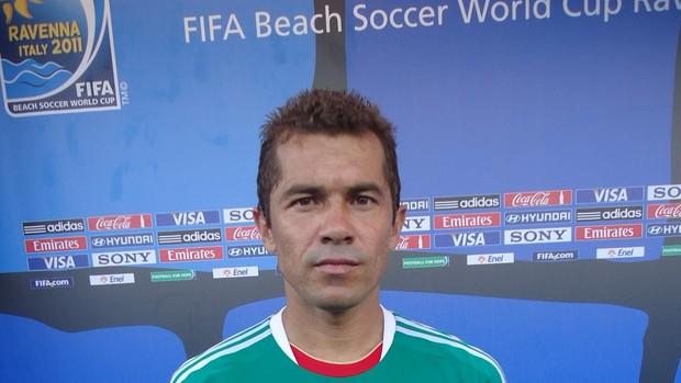 Brasileiro Juninho joga o Mundial de Futebol de Areia eb75787e82b8b