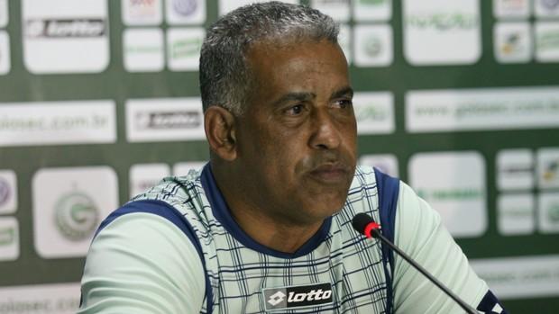Ademir Fonseca, em entrevista coletiva pelo Goiás (Foto: Rosiron Rodrigues/Goiás E.C.)