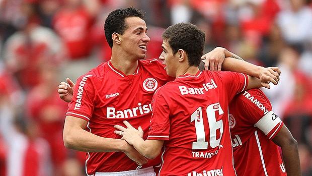 Leandro Damião gol Internacional (Foto: Jefferson Bernardes / VIPCOMM)