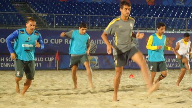 Futebol de areia: seleção brasileira faz treinamento no Stadium de Mare, em Ravenna (Foto: Igor Christ / GLOBOESPORTE.COM)