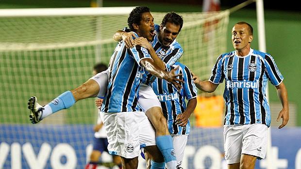 Brandão gol Grêmio (Foto: Ag. Estado)