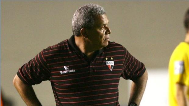 Após derrota, Hélio dos Anjos admite: 'Não foi um dia bom'