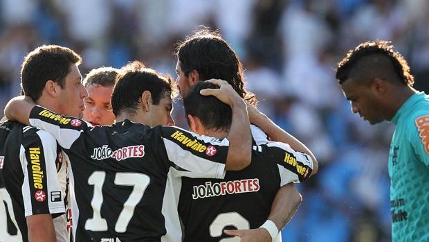 botafogo comemora, Botafogo x Flamengo (Foto: Satiro Sodré/AGIF)