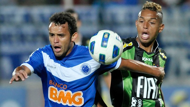 Charles e Gilson, Cruzeiro x América-MG (Foto: Pedro Vilela/Agência Estado)