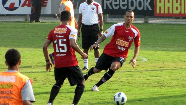 Luis Fabiano em treino do São Paulo (Foto: Marcelo Prado / Globoesporte.com)