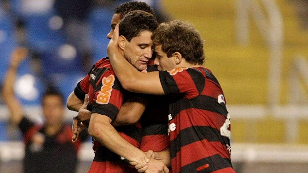 thiago neves flamengo x américa-mg   (Foto: Jorge William/Globo)
