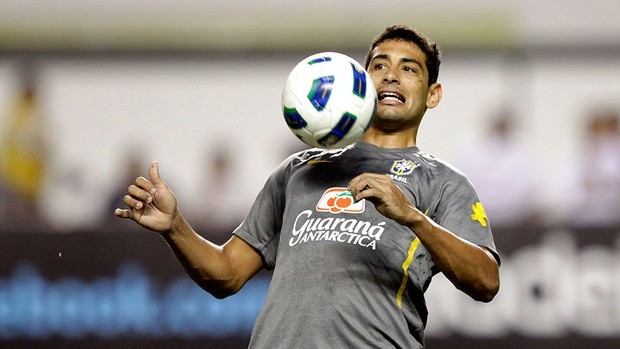 Diego Souza no treino da Seleção em Belém (Foto: Mowa Press)