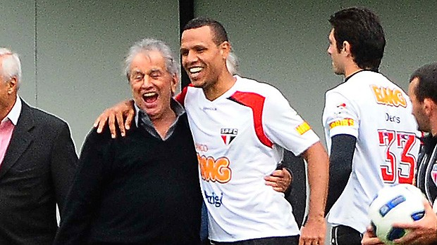 luis fabiano presidente são paulo x aldax-sp (Foto: Marcos Ribolli/GLOBOESPORTE.COM)