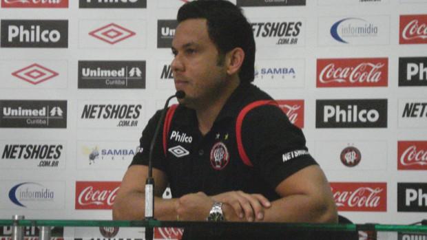 Marcinho, meia do Atlético-PR (Foto: Fernando Freire/GLOBOESPORTE.COM)