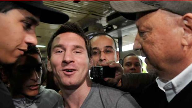 messi barcelona chega a argentina (Foto: Reprodução Canchallena.com )