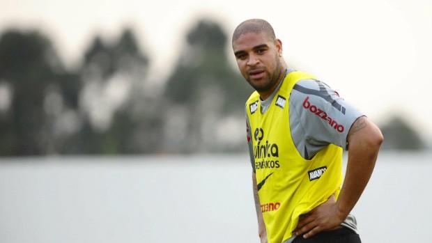 Adriano, do Corinthians (Foto: Marcos Ribolli / globoesporte.com)