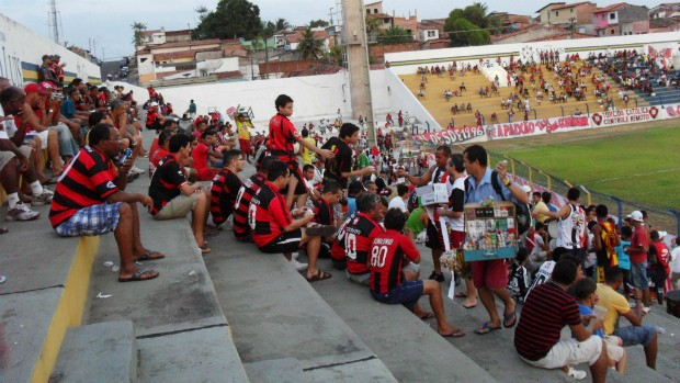 Achei! Torcida do Moto Club em dia de jogo do time com Kléber Pereira (Foto: Divulgação/Moto Club)