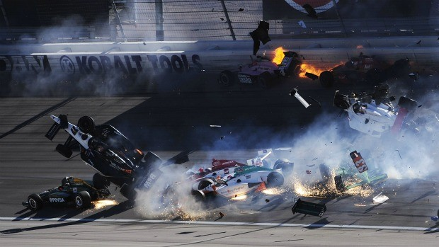 Dan Wheldon morte na Indy (Foto: Getty Images)