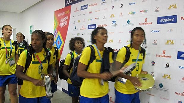 Seleção  feminina futebol pan americano samba (Foto: Gustavo Rotstein/Globoesporte.com)