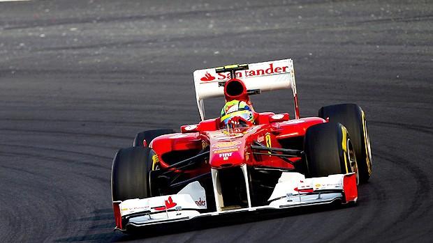 Felipe Massa nos treinos livres para o GP da Índia (Foto: Agência EFE)