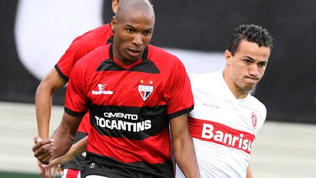 Atlético-GO cai diante do Inter no Serra Dourada: 1 a 0