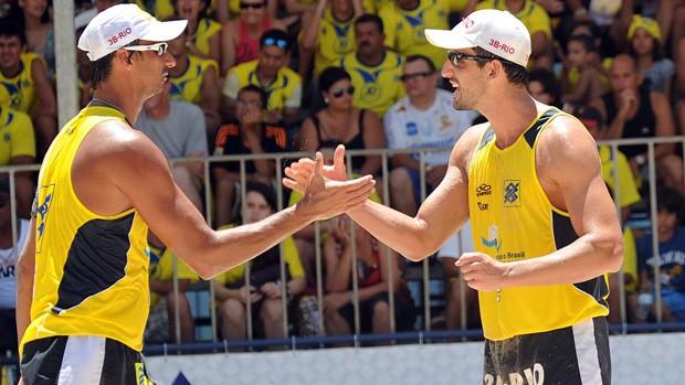 ricardo e pedro cunha em maceió (Foto: Divulgação / CBV)