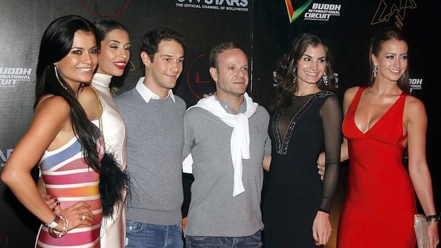 Bruno Senna Rubens Barrichello festa Fórmula 1 Índia (Foto: AP)