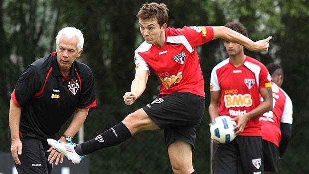 Dagoberto no treino do São Paulo (Foto: João Neto / VIPCOMM)