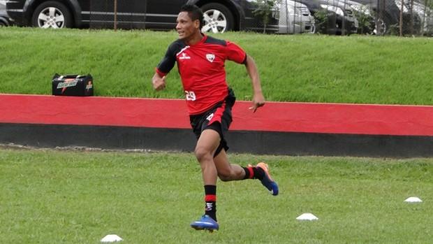 marcão, atacante do atlético-go (Foto: Divulgação)