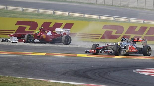 Felipe Massa Lewis Hamilton Ferrari McLaren GP da Índia (Foto: EFE)