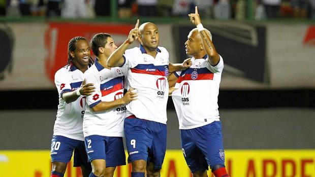 Bahia comemora gol sobre o São Paulo (Foto: Eduardo Martins/Agência Estado)