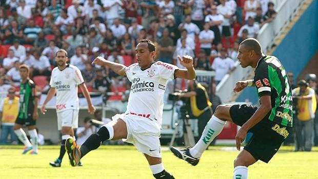 Liedson Corinthians x América-MG (Foto: Ag. Estado)