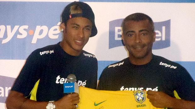 Neymar e Romário em evento (Foto: Julyana Travaglia / GLOBOESPORTE.COM)