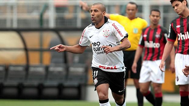emerson corinthians gol atlético-pr (Foto: Miguel Schincariol / Agência Estado)