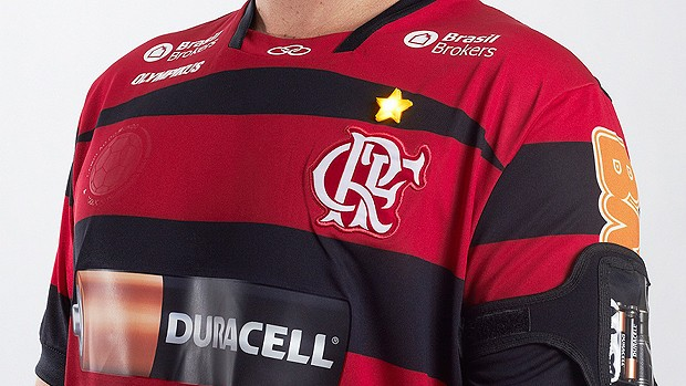 DURACELL acende estrela do Mundial na camisa do Flamengo (Foto: Divulgação)