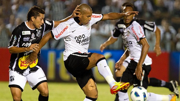 Eusébio e Emerson, Ceará x Corinthians (Foto: Daniel Augusto Jr/Agência Estado)
