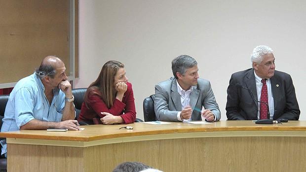 Os 4 quatro representantes dos clubes cariocas - Conselho Arbitral (Foto: Fabio Leme / Globoesporte.com)