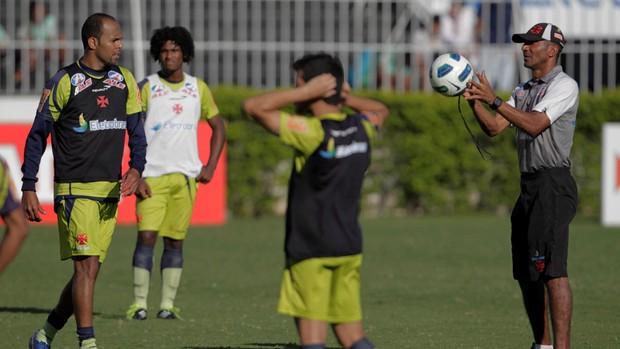 Cristovao Borges e Alecsandro no treino do Vasco (Foto: Jorge William/Agência O Globo)