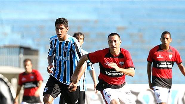 Magrão lamenta gol no fim, mas quer foco no Gre-Nal