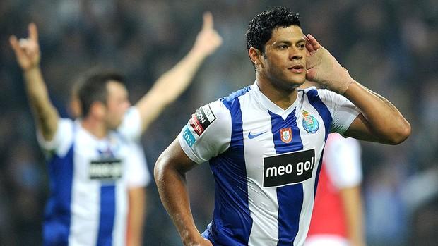 Hulk comemora gol do Porto contra o Braga (Foto: AP)