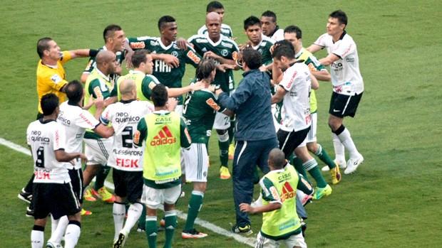 No fim, Jorge Henrique ironiza Valdivia e gera briga