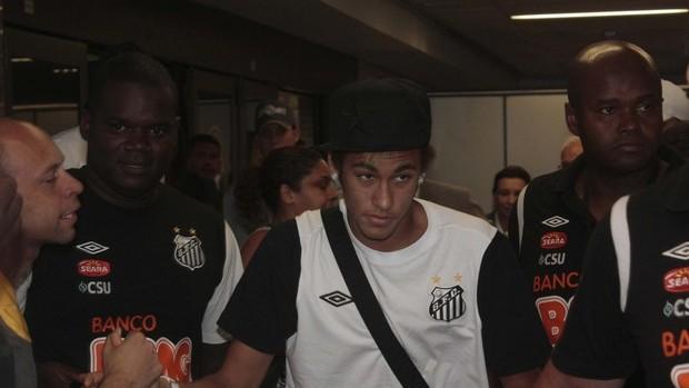 Desembarque do Santos, Neymar (Foto: Futura Press)
