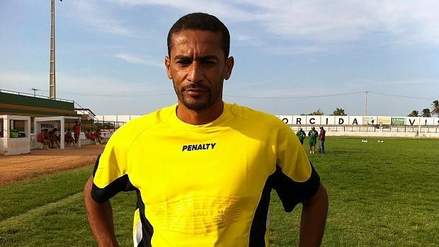 Aloísio, aos 37 anos, promete fechar o gol do Trairiense (Foto: Diego Morais / Globoesporte.com)