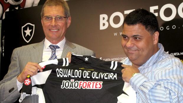 oswaldo de oliveira botafogo apresentação (Foto: André Casado / Globoesporte.com)