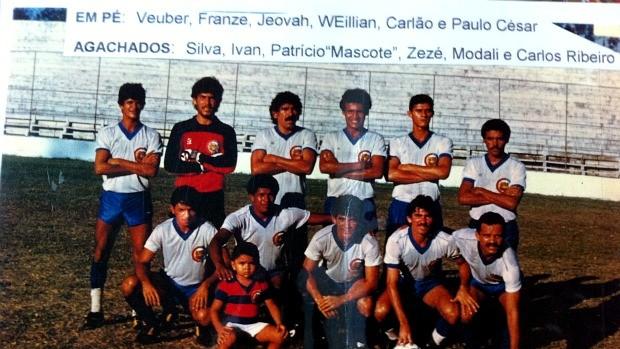 Patrício já aparecia nas fotos do time em 1987 e era citado no pôster (Foto: Patrício Trajano / Arquivo Pessoal)