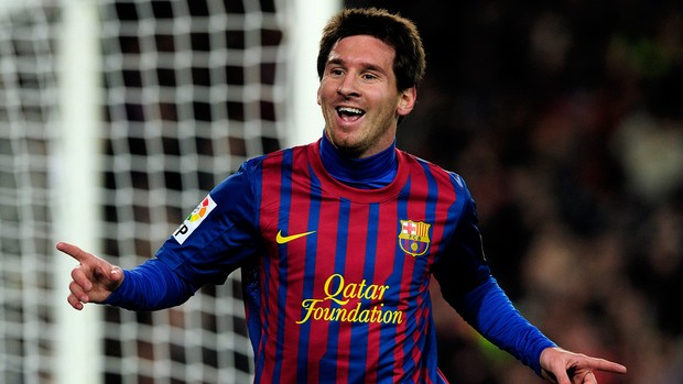 Messi comemora gol do Barcelona sobre o Osasuna (Foto: AFP)