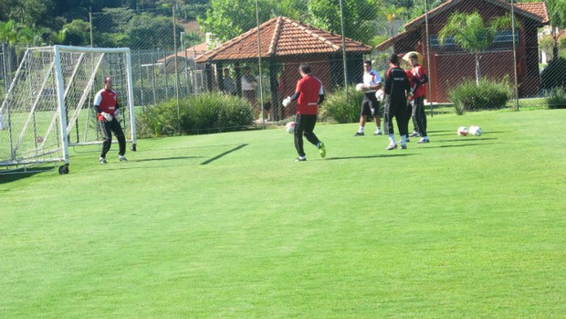 Rogério Ceni treina no CT de Cotia (Foto: Marcelo Prado / GLOBOESPORTE.COM)
